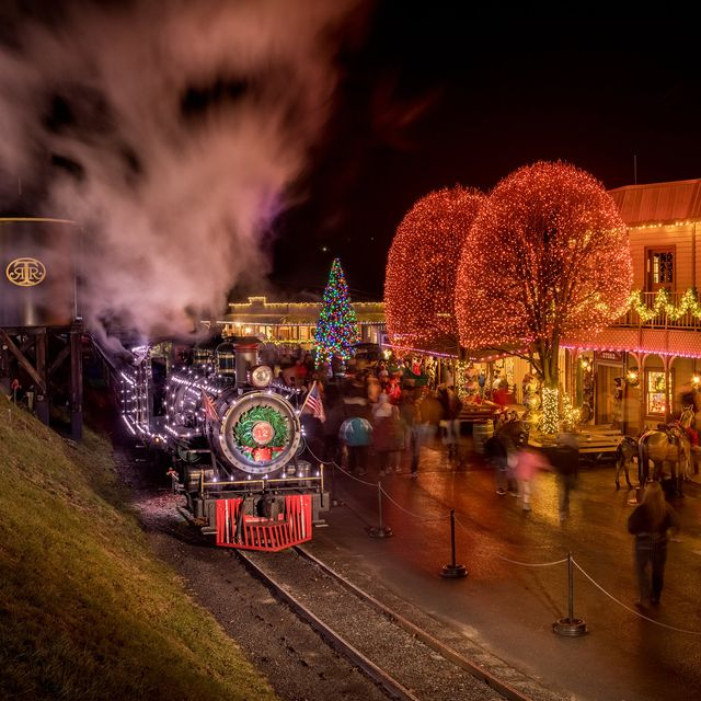 Christmas Train Ride.16 Best Polar Express Train Rides In The U S For Christmas 2019