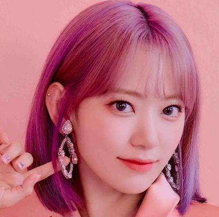 lip, hairstyle, skin, chin, forehead, earrings, eyebrow, eyelash, pink, style,