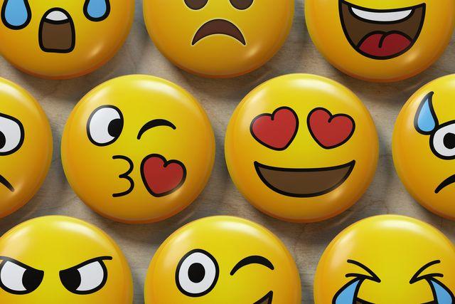 two emoji badges in love
