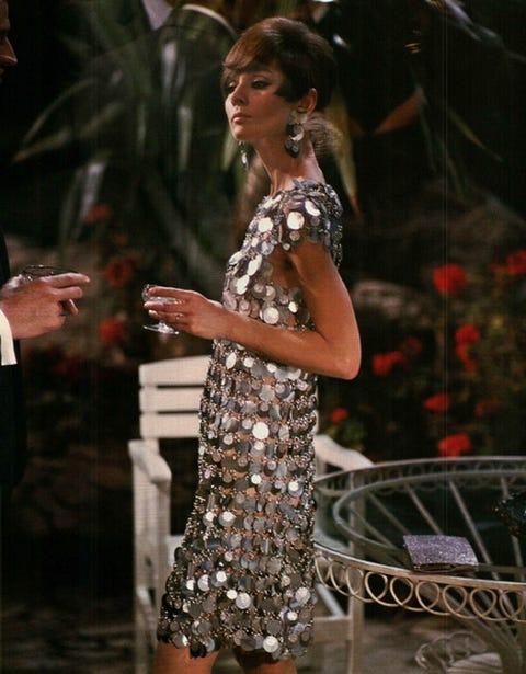 Fashion model, Fashion, Performance, Dress, Event, Formal wear, Fashion design, Dancer, Performing arts, Cocktail dress,