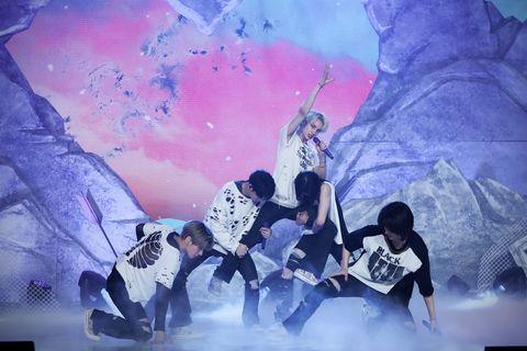txt tomorrow x together トゥモローバイトゥギャザー 韓国 アイドル 韓流 カムバック ステージ パフォーマンス