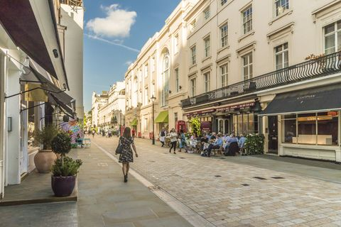 A typically grand shopping street in Belgravia, London, England, United Kingdom, Europe
