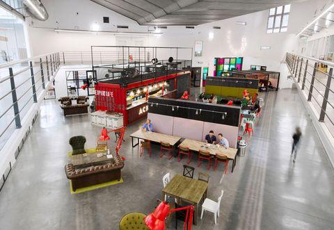Uffici moderni 5 arredamenti di design for Uffici moderni