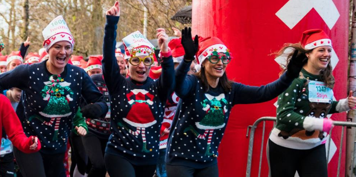 ugly-sweater-run-harlopen-foute-kersttrui
