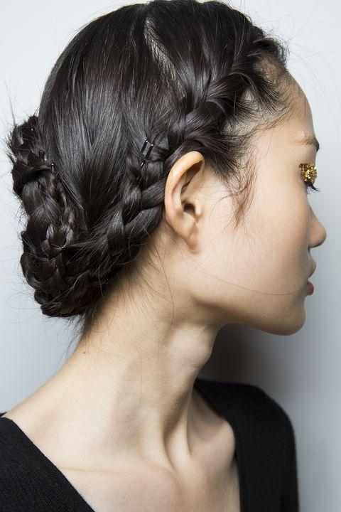Hair, Hairstyle, Face, Chin, Beauty, Bun, Chignon, Ear, Black hair, Long hair,