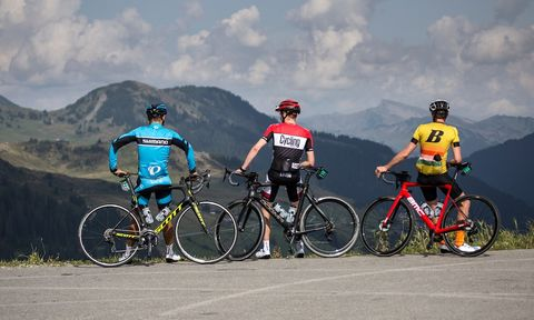 Land vehicle, Cycling, Cycle sport, Bicycle, Vehicle, Sports, Road cycling, Outdoor recreation, Bicycle racing, Road bicycle,