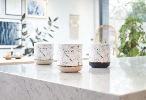 NEOM推出大理石蠟燭擴香