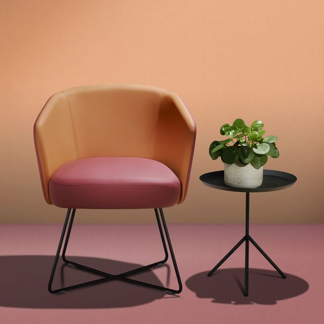 faux leather supplier ultrafabrics, which received the innovation award for its plant based, eco friendly ultraleather volar bio vegan leather