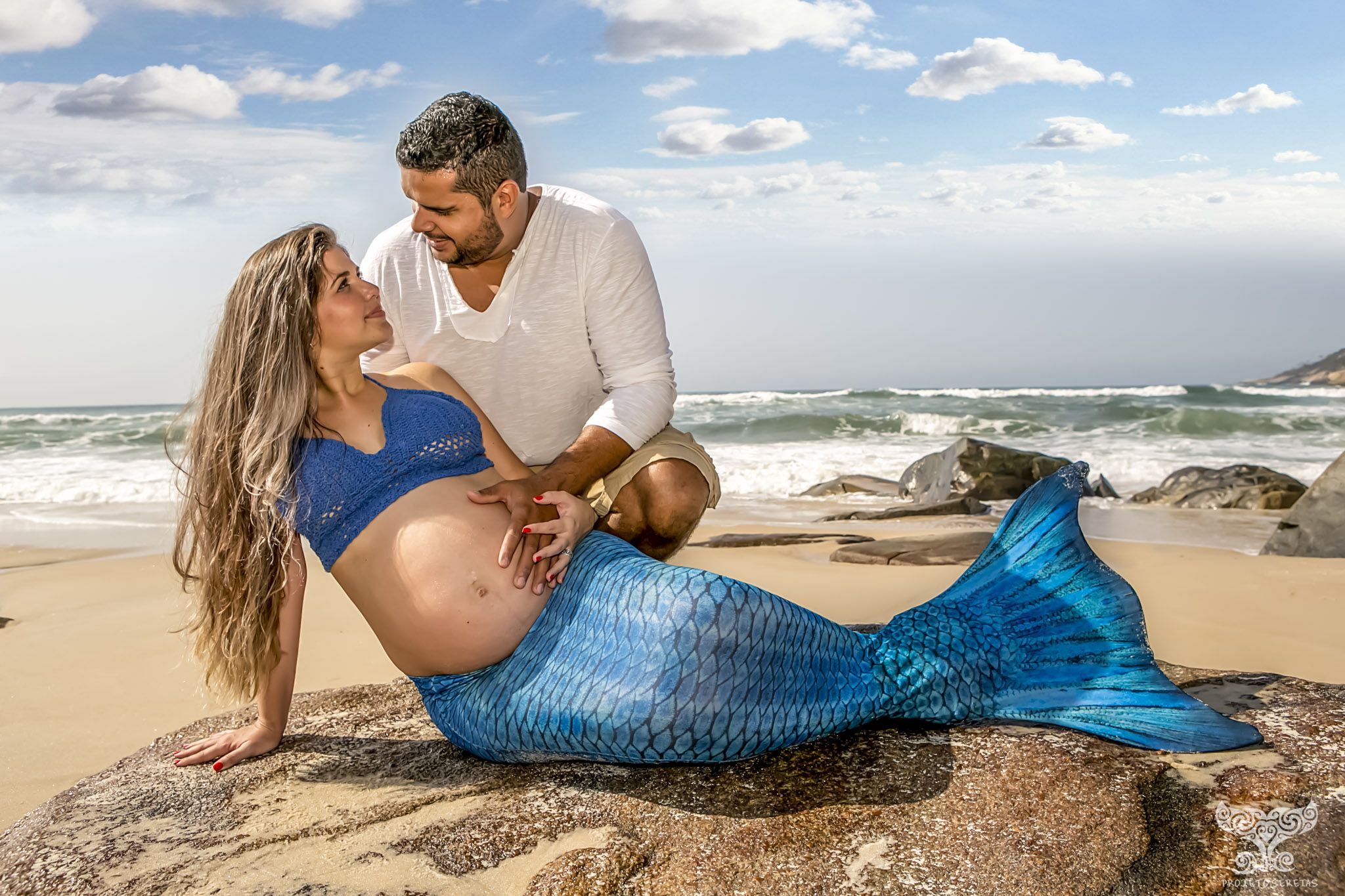 these mermaid maternity photo shoots are instagram gold