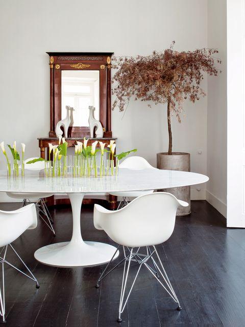 mesa ovalada con sillas dar