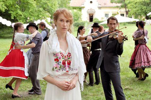 La película Un verano en Hungría está protagonizada por Chiara Schoras y David Rott.