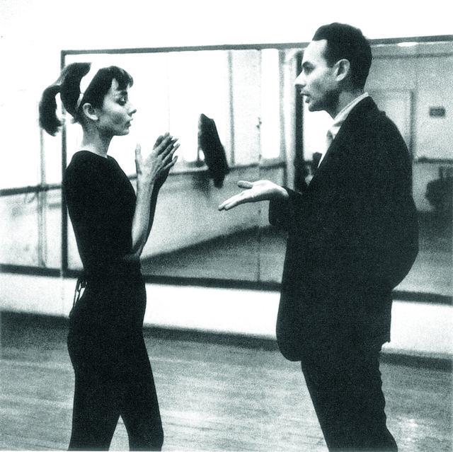 """Stanley Donen y Audrey Hepburn en """"Una cara con ángel"""""""