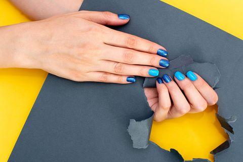 diseños de uñas de gel cortas