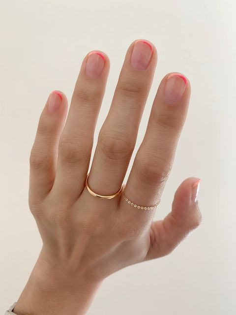 How To Wear The French Manicure Trend