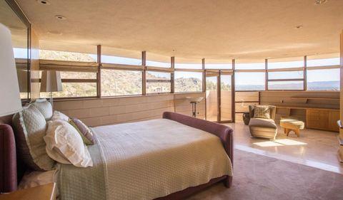 Bedroom, Bed, Room, Furniture, Property, Interior design, Bed frame, Building, Ceiling, House,