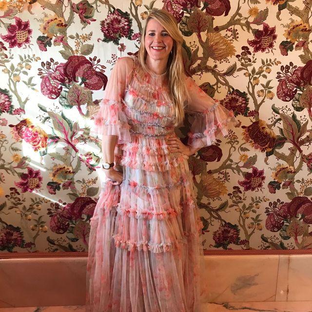 Petal, Textile, Dress, Pink, Pattern, Peach, Maroon, One-piece garment, Costume, Wallpaper,