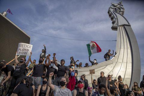 """protestors at the """"no bail"""" rally"""