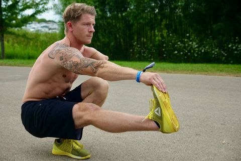 Barechested, Muscle, Human leg, Arm, Chest, Physical fitness, Joint, Knee, Leg, Sports training,