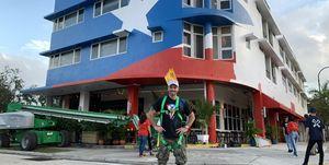 Julián Gil bandera Puerto Rico