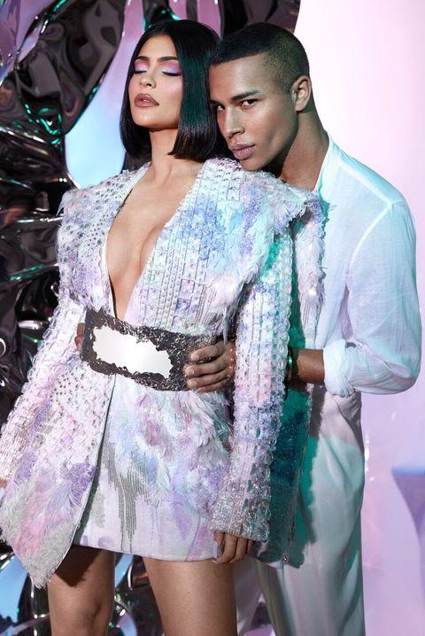 Fashion, Fashion model, Beauty, Fashion design, Event, Haute couture, Model, Fashion show, Black hair, Dress,