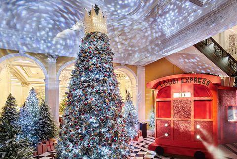Christmas tree, Christmas decoration, Tree, Christmas, Christmas ornament, Room, Interior design, Woody plant, Interior design, Christmas eve,