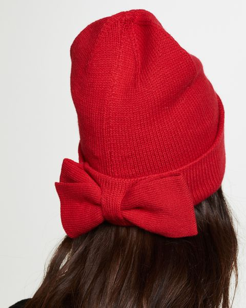 Clothing, Red, Beanie, Hat, Fashion accessory, Headgear, Cap, Costume accessory, Hair accessory, Wool,