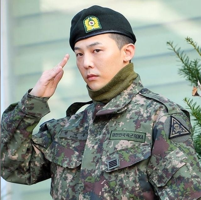 Military camouflage, Military uniform, Army, Soldier, Military, Uniform, Clothing, Cap, Camouflage, Military person,