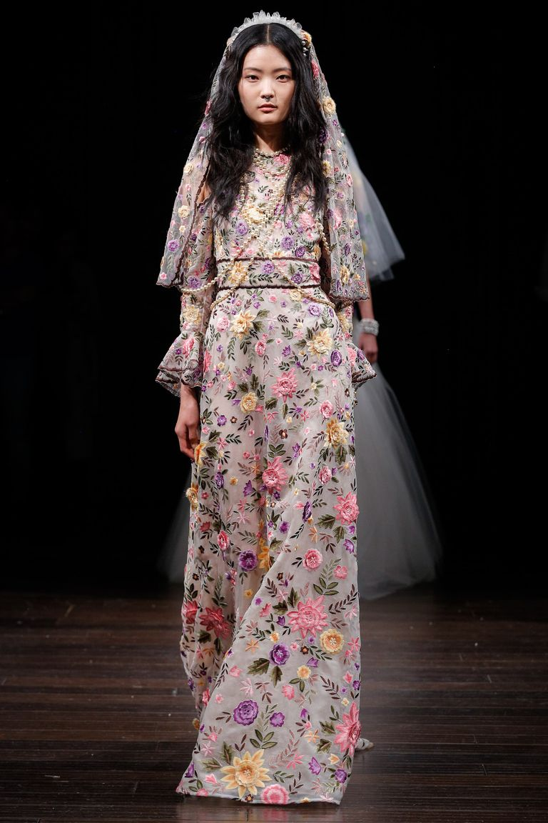 Alternative wedding dresses for spring 2018