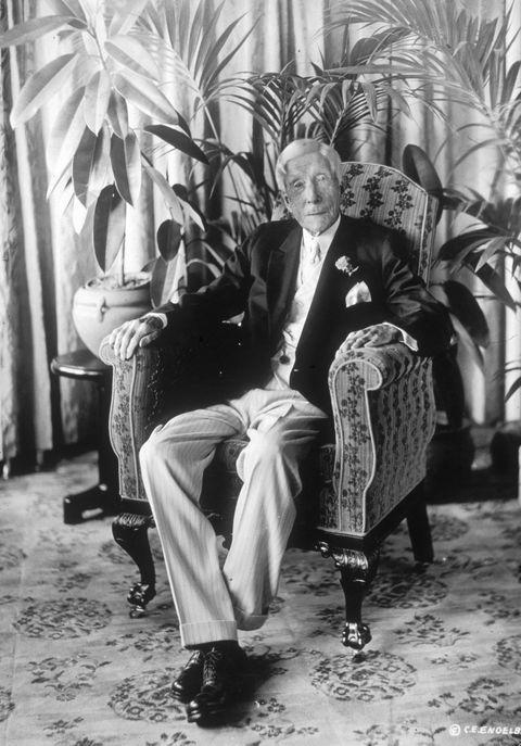 Photograph, Sitting, Monochrome, Plant, Black-and-white,