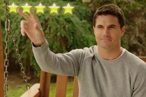 el protagonista de upload, la nueva serie de amazon, se puntúa con cinco estrellas