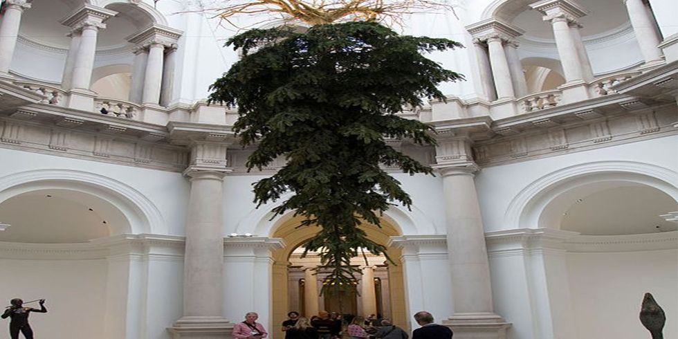 The Real Meaning Behind Upside Down Christmas Trees Explains Why You Keep Seeing Them Everywhere
