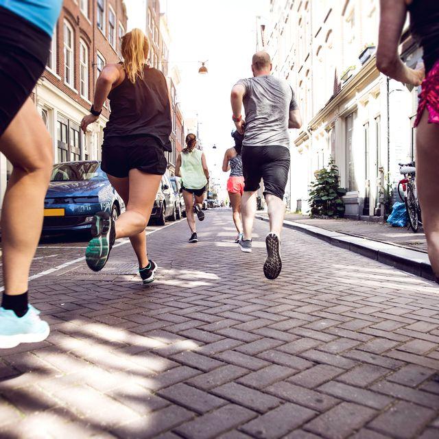 Urban runners crew training in the city