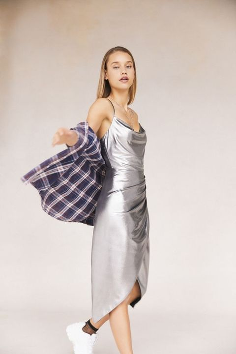 Fashion model, White, Clothing, Shoulder, Dress, Beauty, Fashion, Photo shoot, Fashion design, Model,