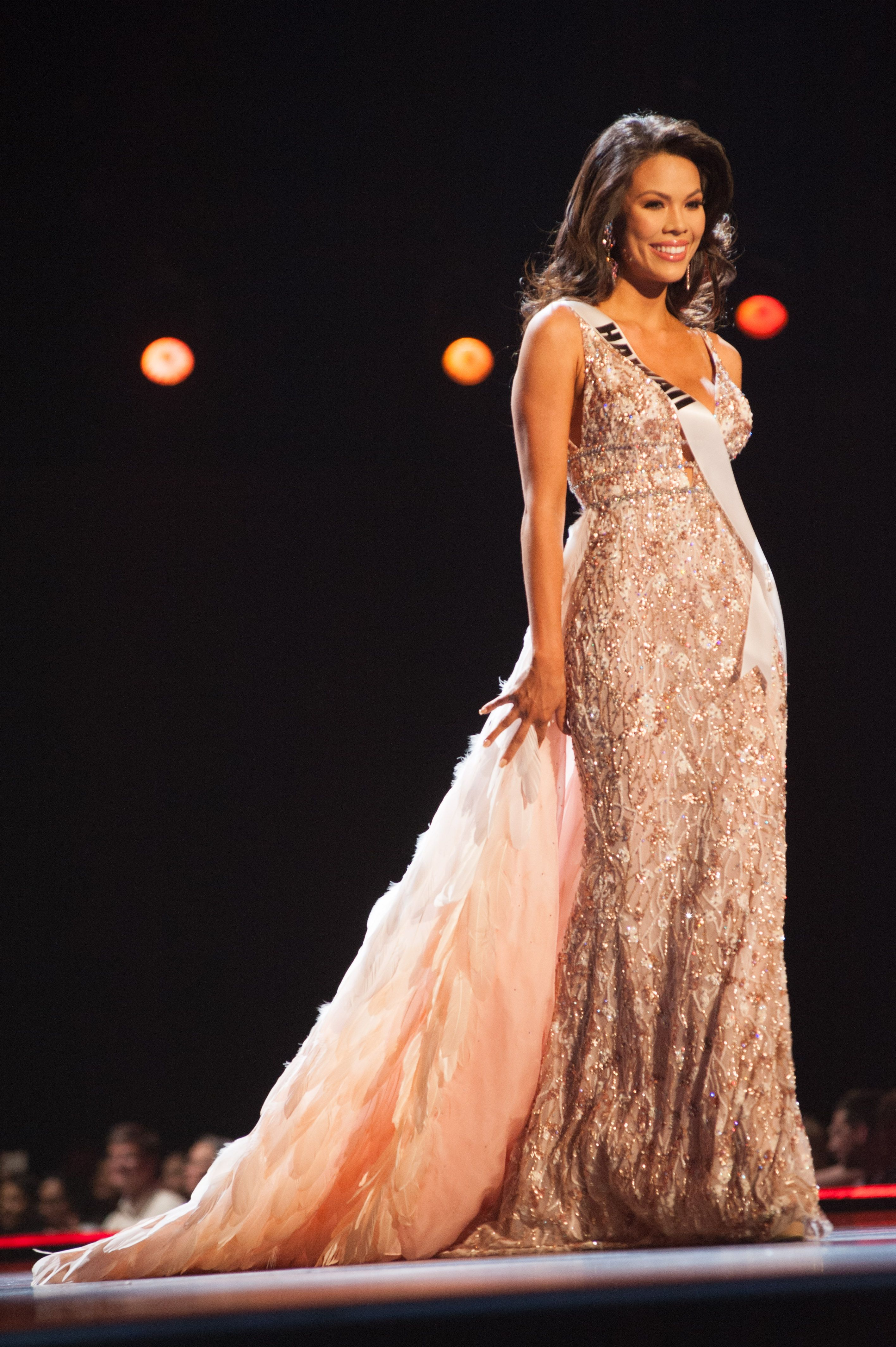 2018 Miss USA Pageant Evening Gown Photos — See 2018 Miss USA ...