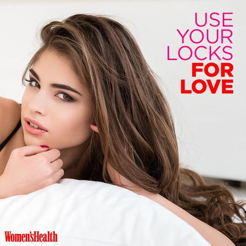 ways to use hair in bed