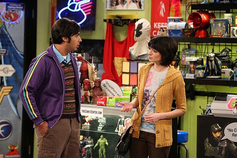 Big Bang Theory Kate Micucci Supergirl Temporada 5 - DC