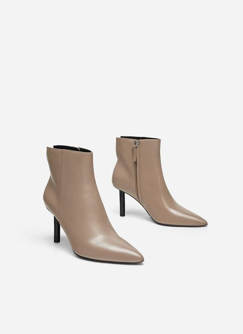 Footwear, Shoe, Boot, Beige, Tan, Brown, Khaki, High heels, Joint, Leather,