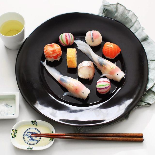 位於東九州的佐伯市供應超級新鮮的海產,搭配製成錦鯉壽司不只具有藝術感又新鮮!