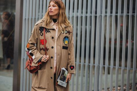 Clothing, Trench coat, Street fashion, Coat, Fashion, Outerwear, Overcoat, Jacket, Beige, Street,