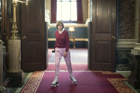 the crown s4 picture shows princess diana emma corrin filming location goldsmiths hall