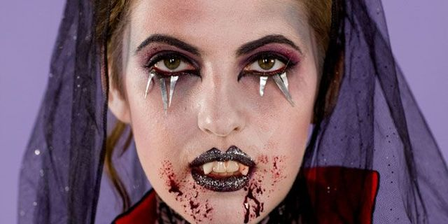 Best Vampire Makeup For Halloween 2019 How To Do Vampire Makeup For Halloween
