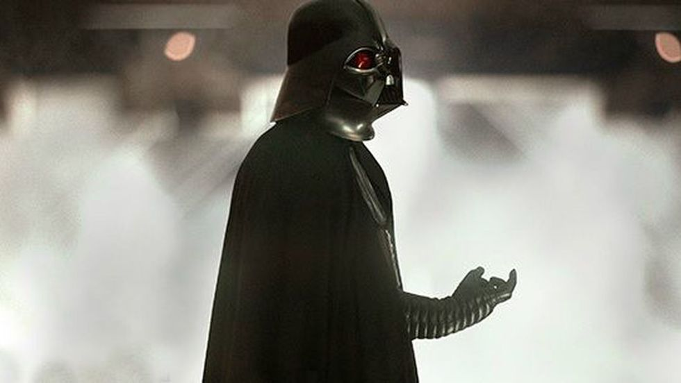 Here's What Might Have Happened if Darth Vader Actually Got the Death Star Plans thumbnail