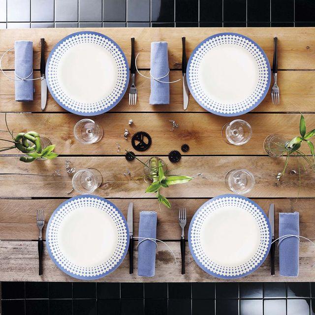 Menaje: vajilla decorada en azul