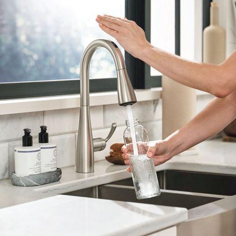 Tap, Water, Countertop, Sink, Kitchen, Washing, Hand, Room, Material property, Plumbing fixture,