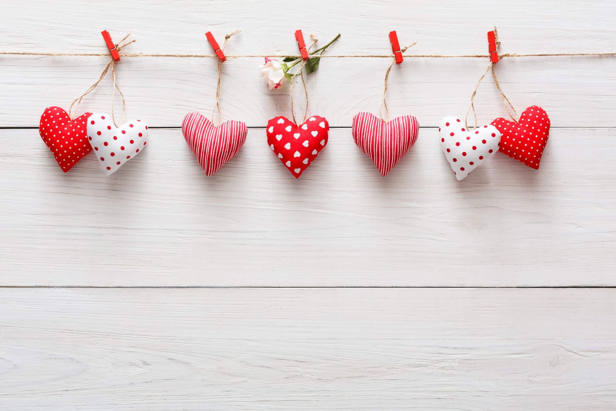 20+ Sweet and Simple DIY Valentine's Day Decorations