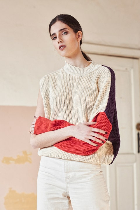 White, Clothing, Shoulder, Wool, Beauty, Fashion, Sweater, Neck, Cool, Outerwear,