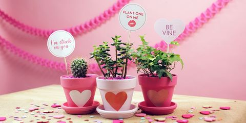 40 Easy Valentine S Day Crafts Diy Decorations For