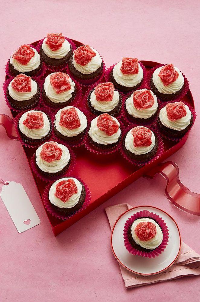 Valentine Cake - Mini Rosebud Cupcakes