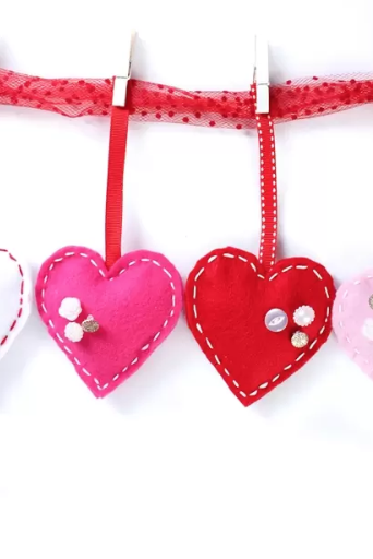 30 Diy Valentine S Day Decorations Cute Valentine S Day Home Decor