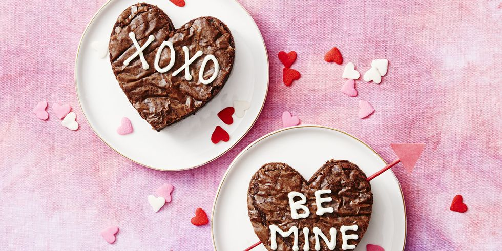 45 Valentine's Day Desserts for Your Sweetheart
